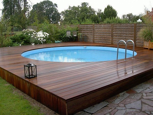 4 Helpful Swimming Pool Winterization Tips for Homeowners