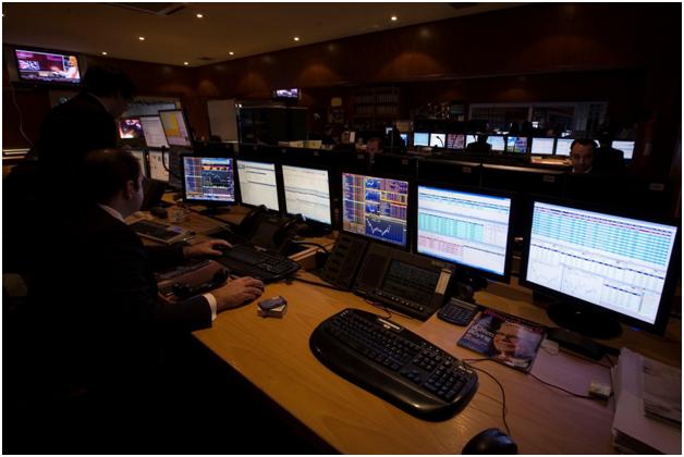 Portfolio balancing software for financial advisers