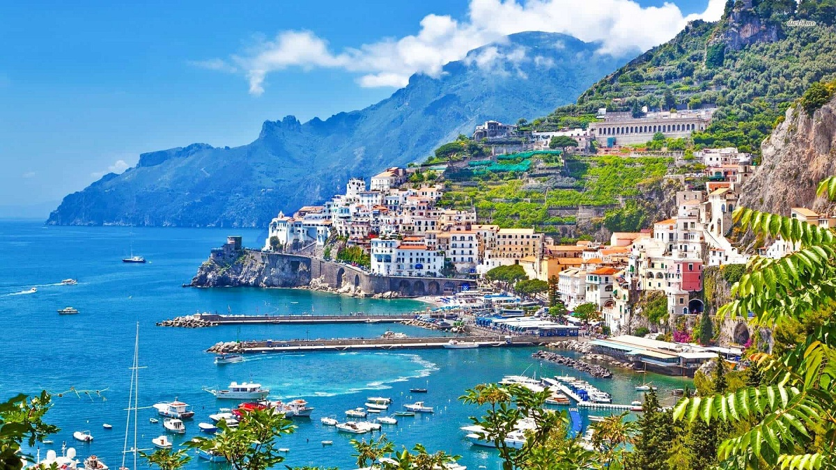 10 Reasons To Spend A Vacation On The Amalfi Coast