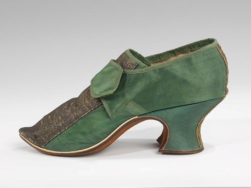 colour shoes