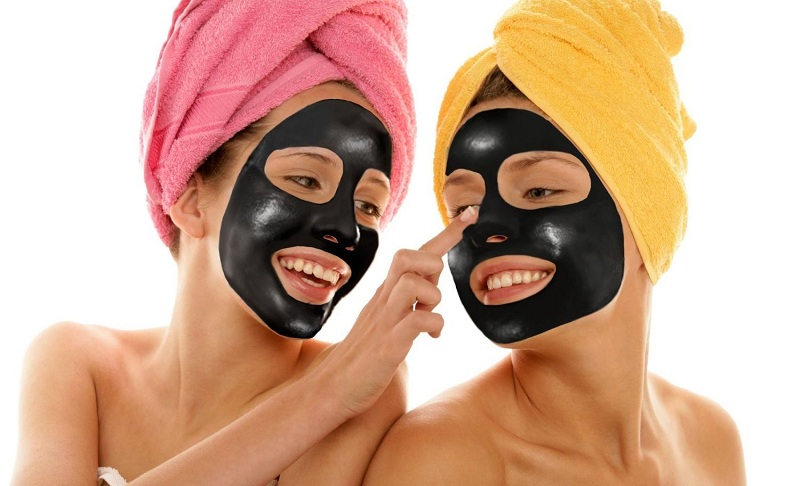 Gelatin Mask With Activated Carbon For The Face From Black Dots