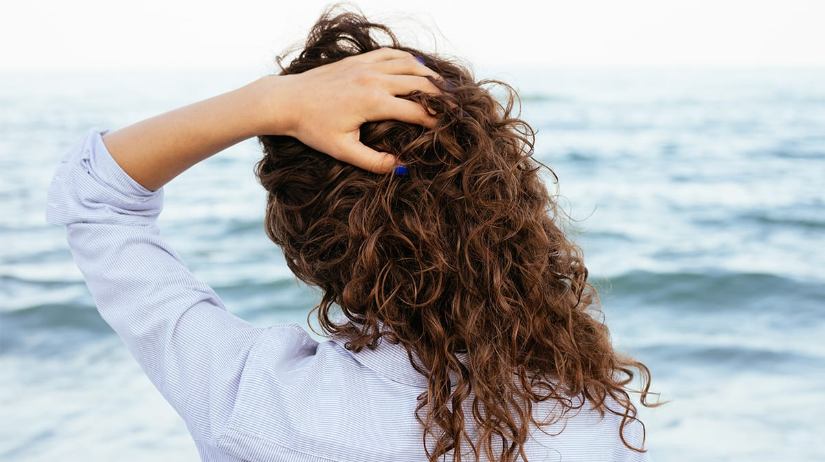 Dry hair? How to cure them after the summer