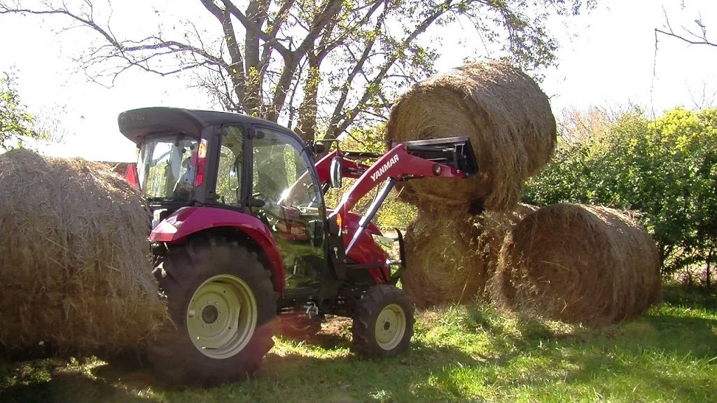 How to Move Round Hay Bales