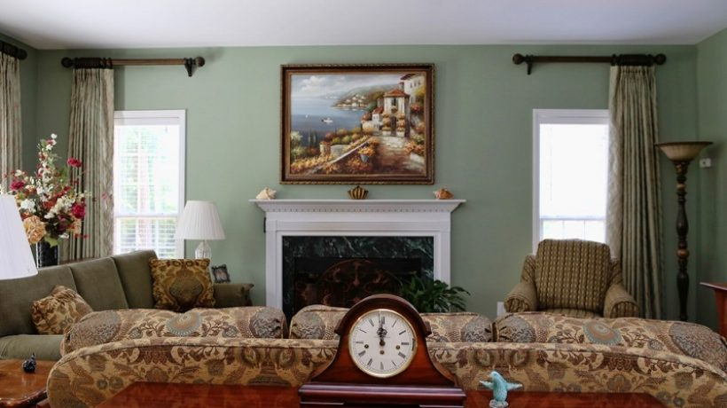 Sage green on the walls: 5 combinations for 2021