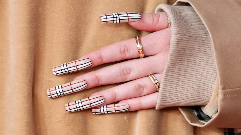 Goal long nails: tricks and secrets